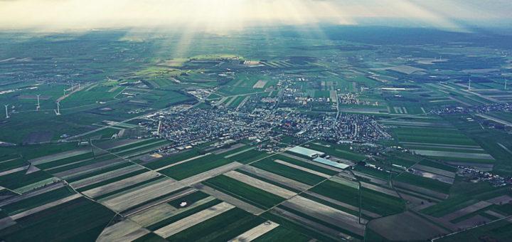 zdjęcie miasta z lotu ptaka